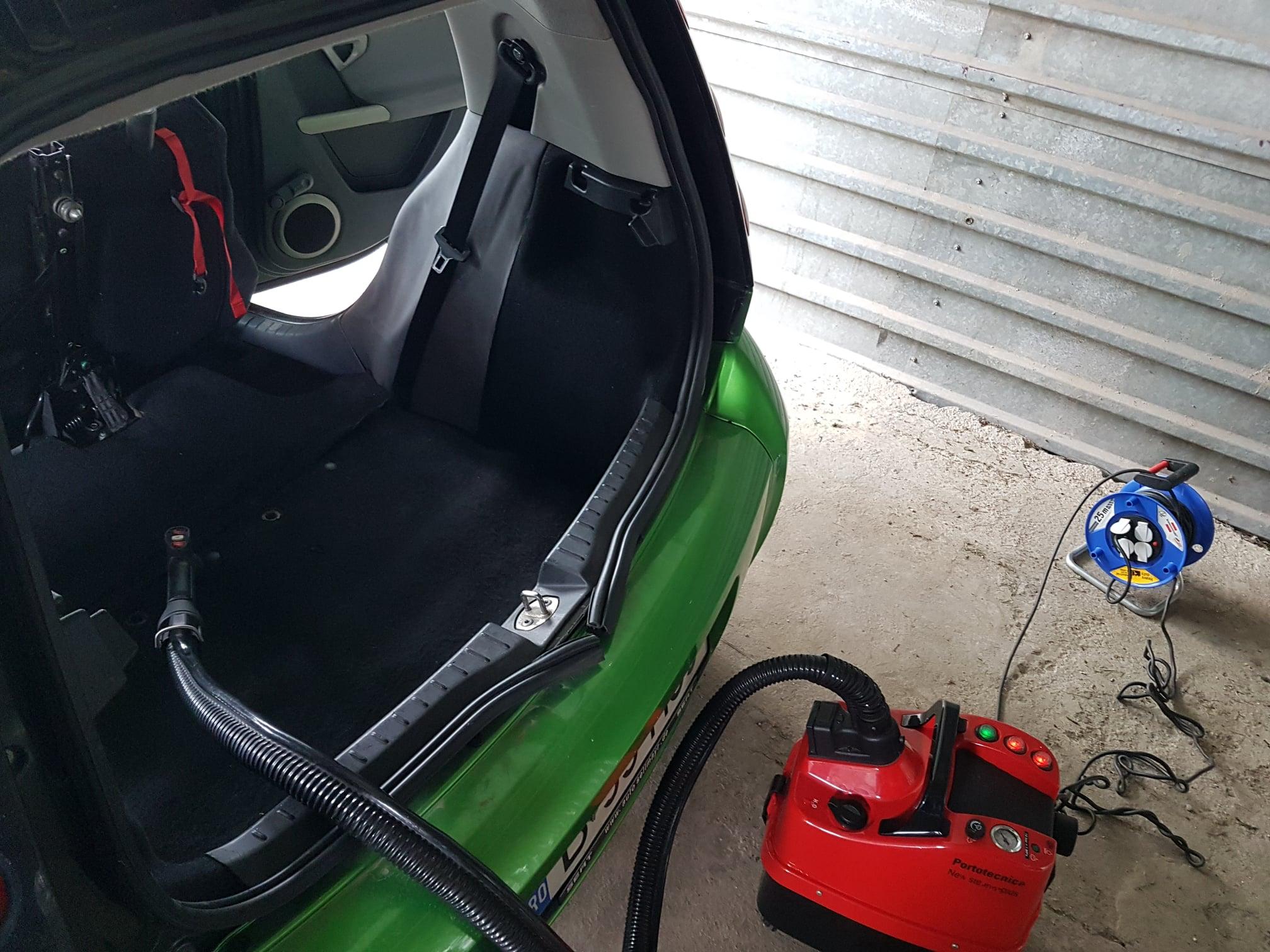 curatare tapiterie cu aburi detailing auto cu aburi spalatorie auto aburi spalare tapiterie auto aburi